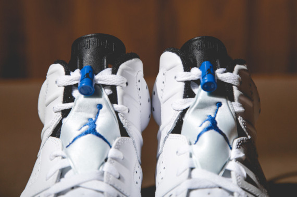 air-jordan-vi-white-sport-blue-03