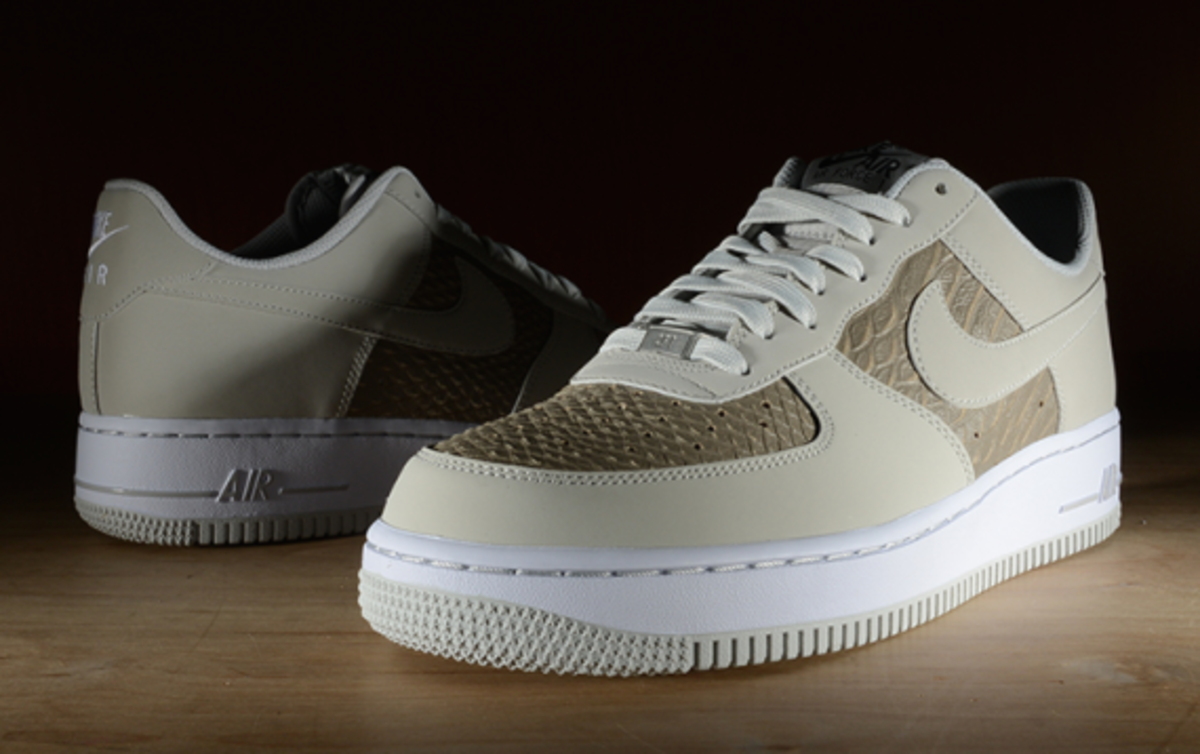 nike-air-force-1-low-light-ash-snakeskin-02