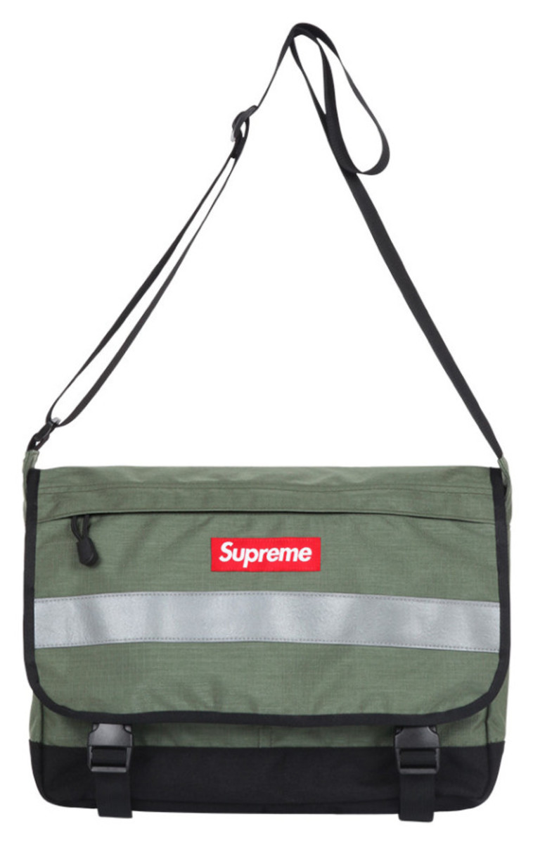 supreme-fall-winter-2014-accessories-and-gear-collection-03
