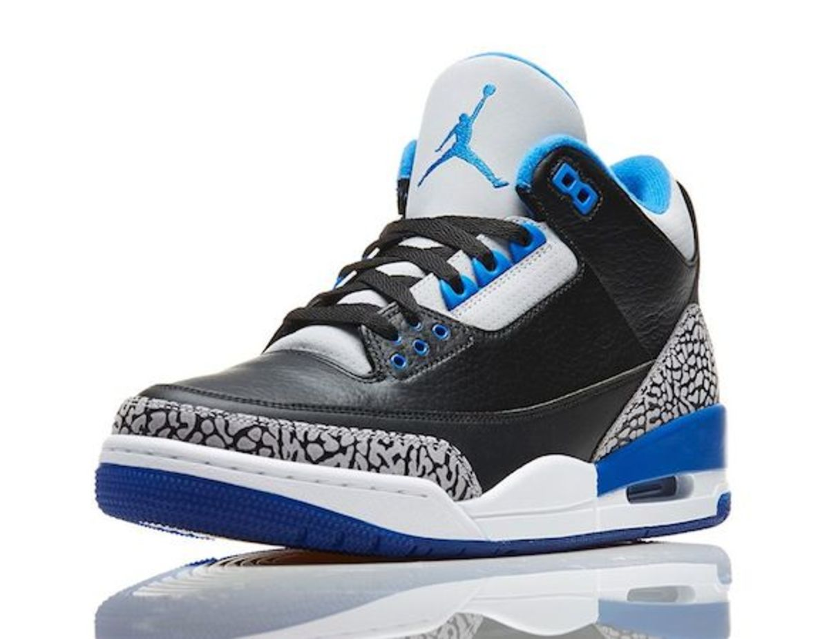 Air-Jordan-III-Retro-Sport-Blue-02