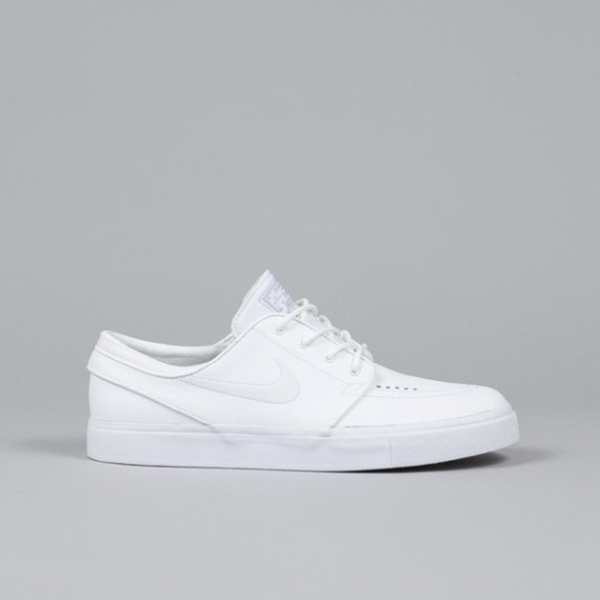 nike-sb-stefan-janoski-white-white-leather-01
