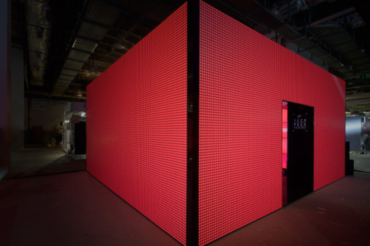 nike-tech-pack-retail-experience-booth-shanghai-01