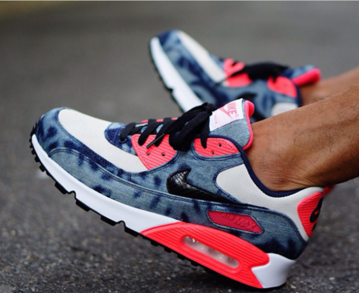 nike-air-max-90-infrared-washed-denim-on-foot-00