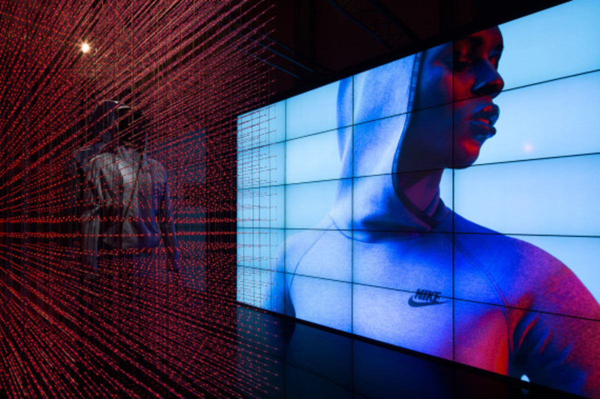 nike-tech-pack-retail-experience-booth-shanghai-15