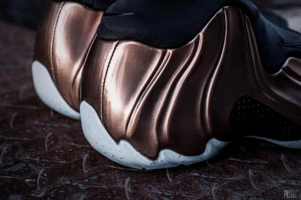 nike-air-flightposite-copper-07