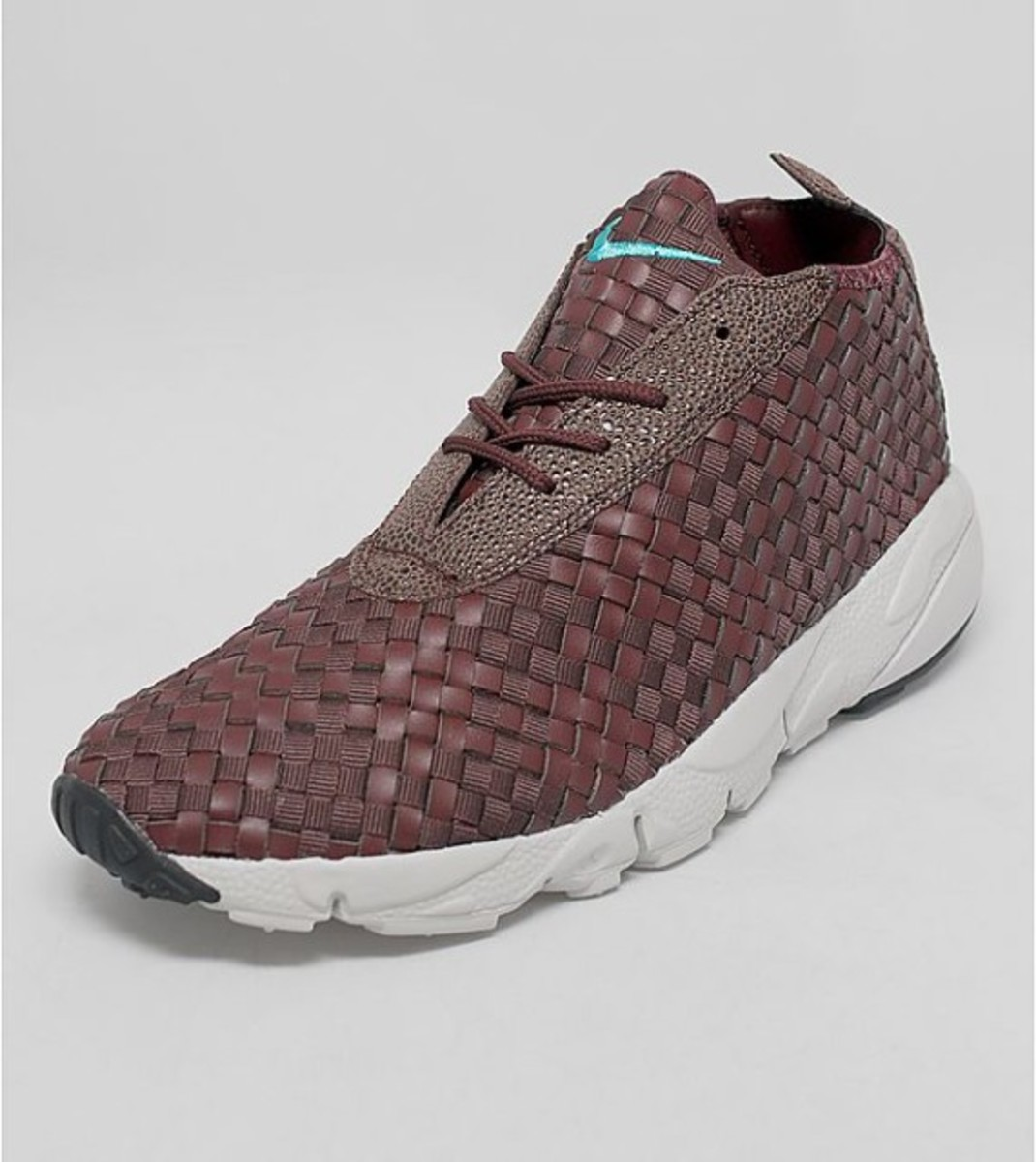 nike-air-footscape-woven-desert-chukka-brown-leather-01