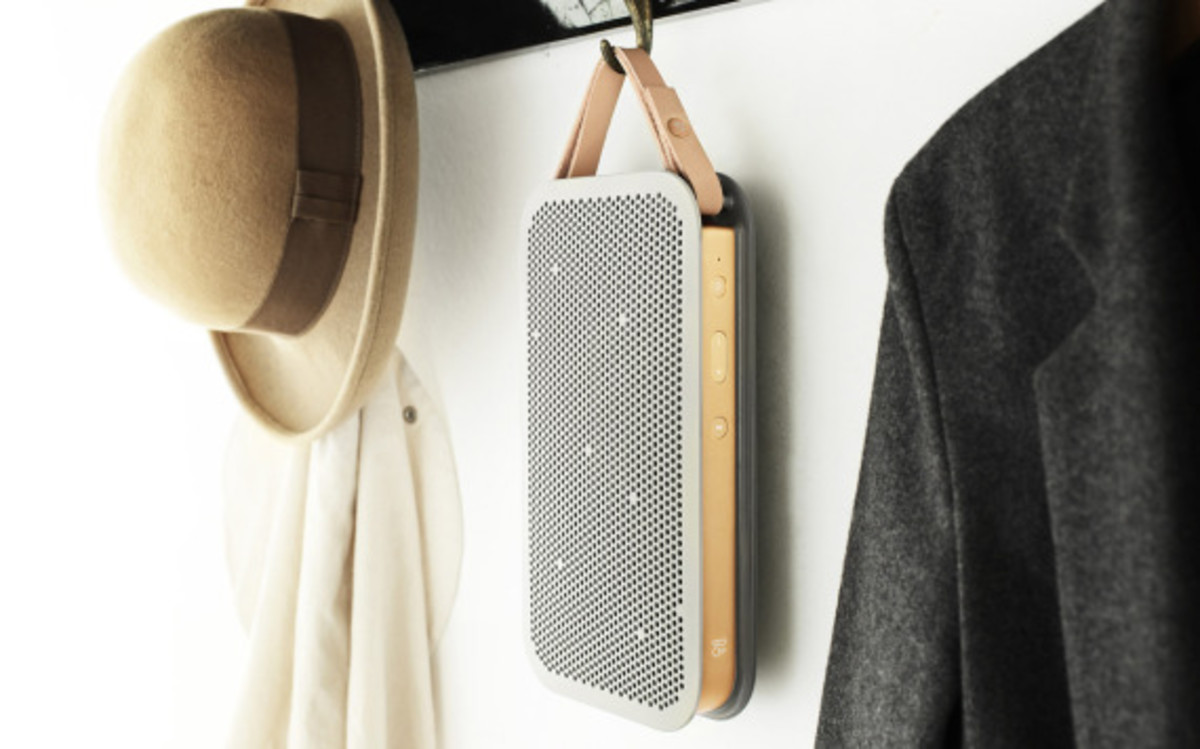 bang-and-olufsen-beoplay-a2-bluetooth-speaker-02