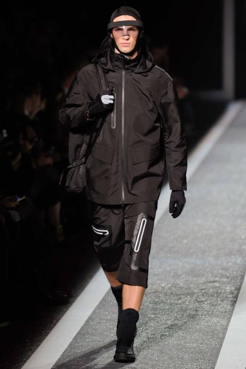 alexander-wang-and-h-and-m-runway-presentation-15