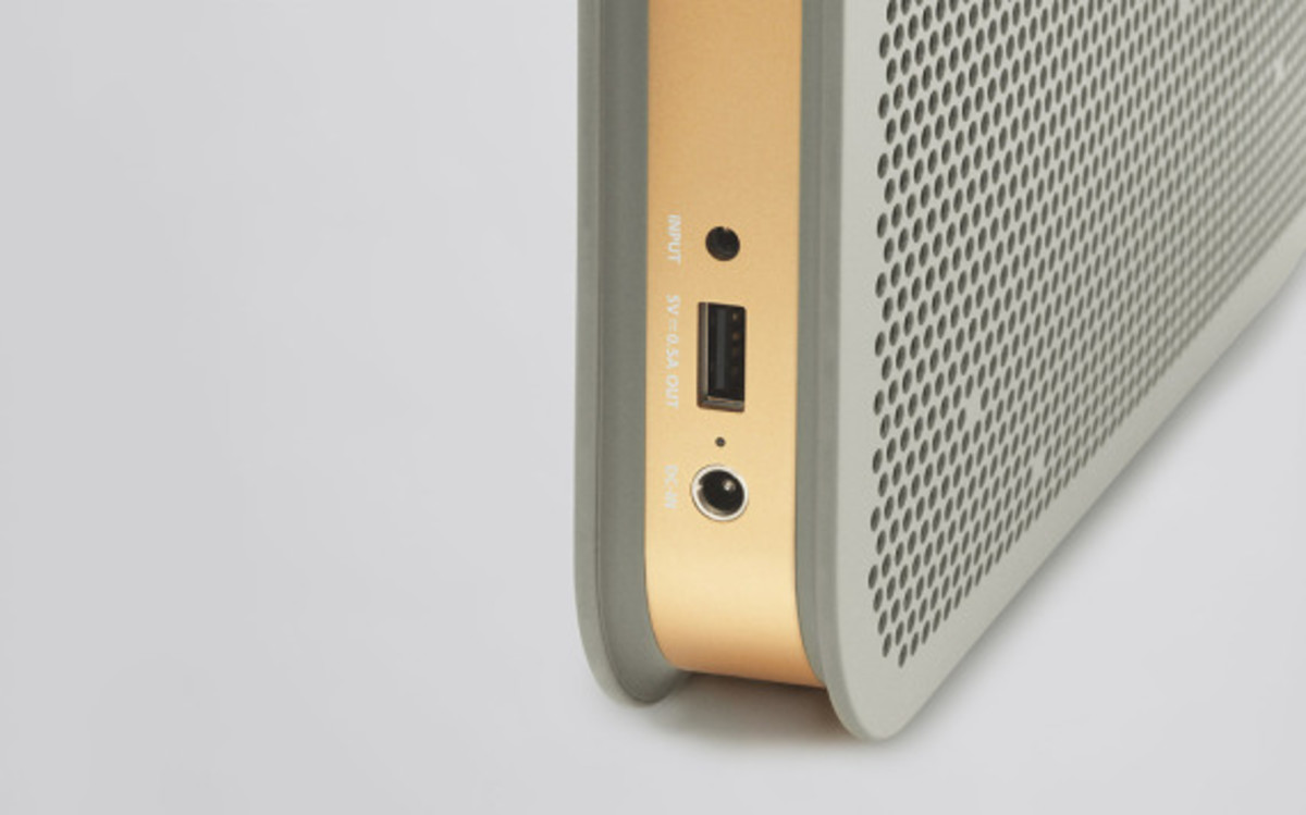 bang-and-olufsen-beoplay-a2-bluetooth-speaker-05