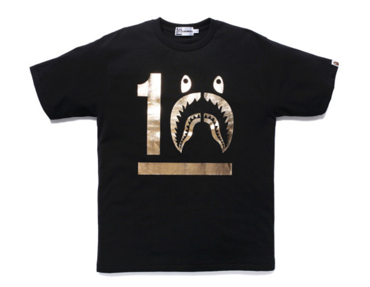 a-bathing-ape-shark-hoodie-10th-anniversary-collection-09