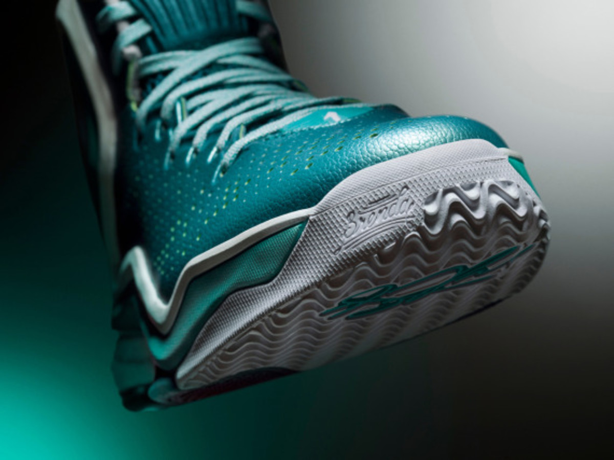 adidas-d-rose-5-boost-the-lake-03