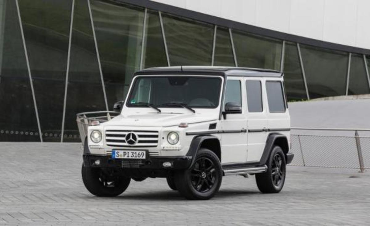 2015-mercedes-benz-g550-35th-anniversary-edition-06