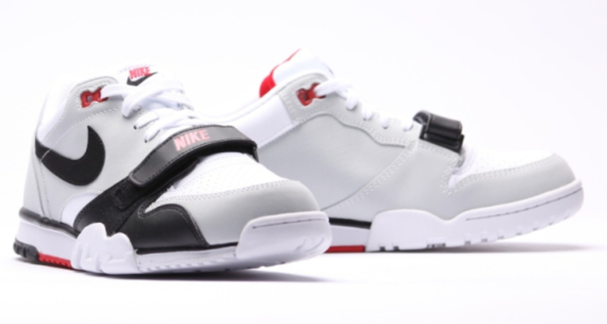 nike-air-trainer-1-low-white-black-red-08