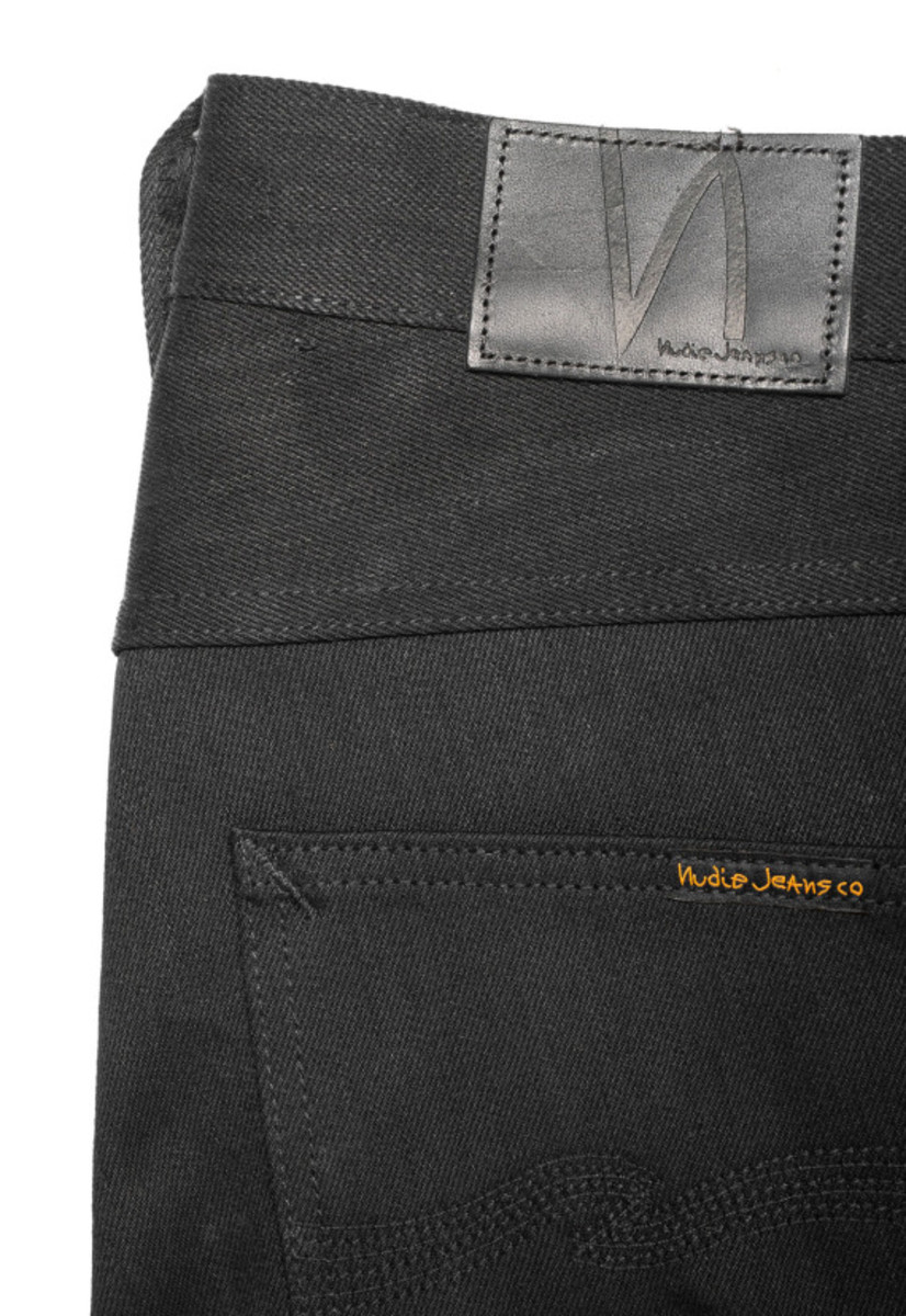 nudie-jeans-grim-tim-and-sonny-in-organic-black-selvage-05