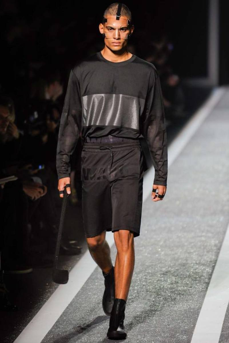 alexander-wang-and-h-and-m-runway-presentation-10