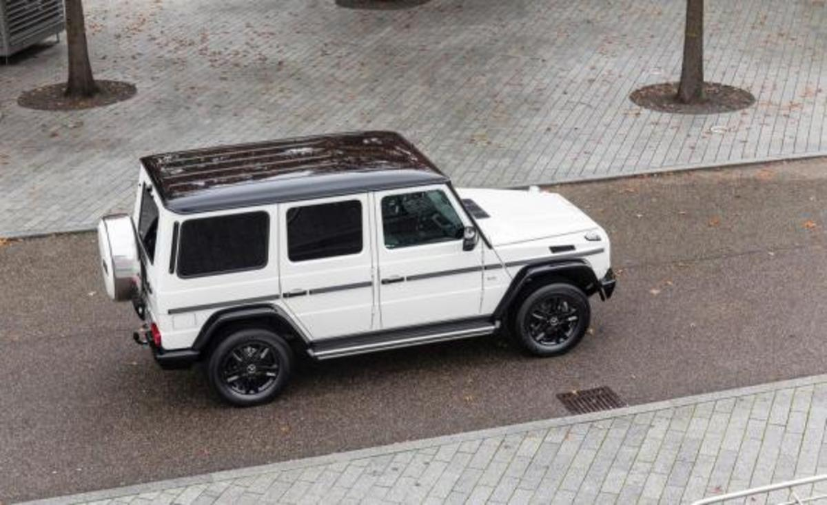 2015-mercedes-benz-g550-35th-anniversary-edition-05