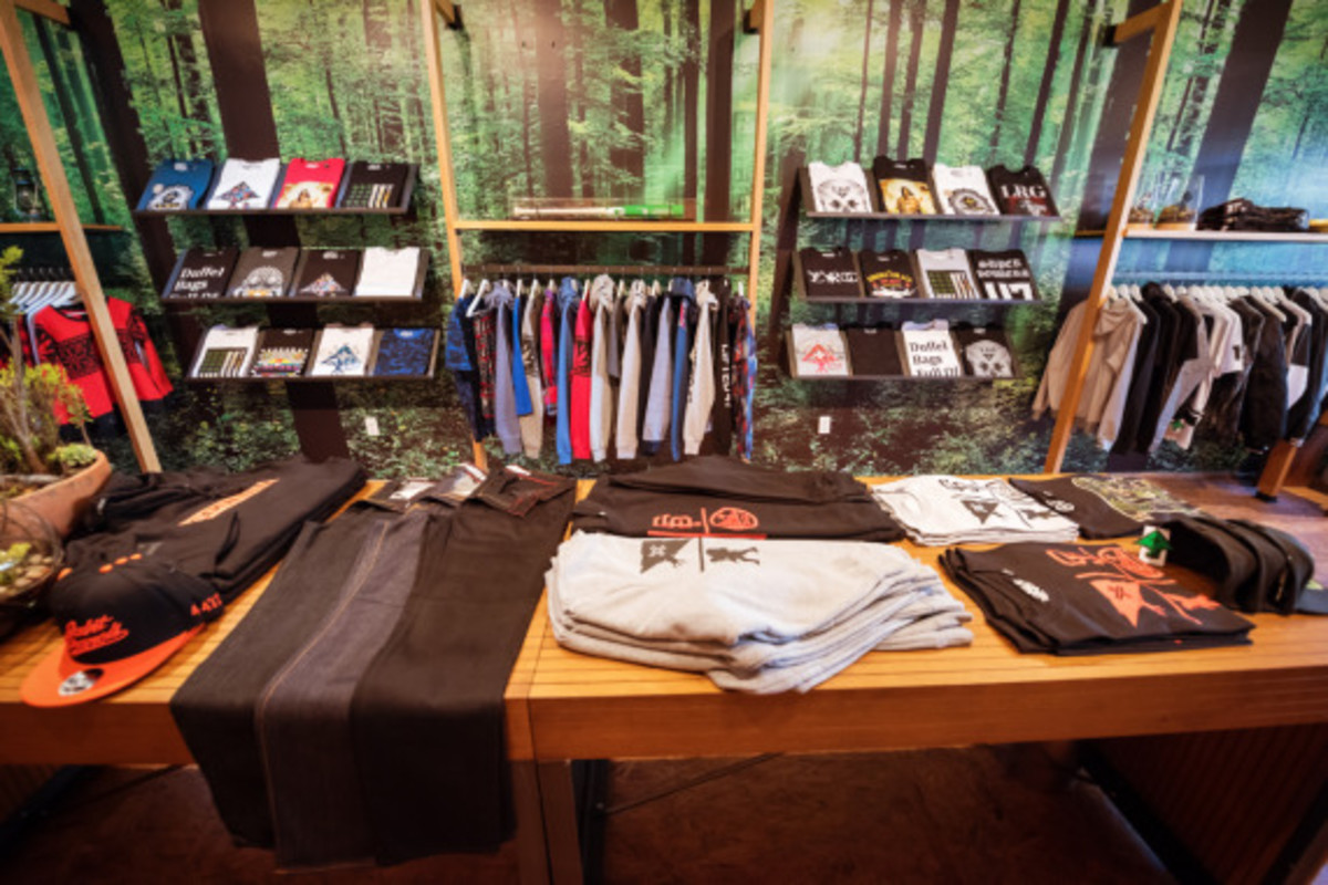 lrg-san-francisco-pop-up-shop-inside-look-07