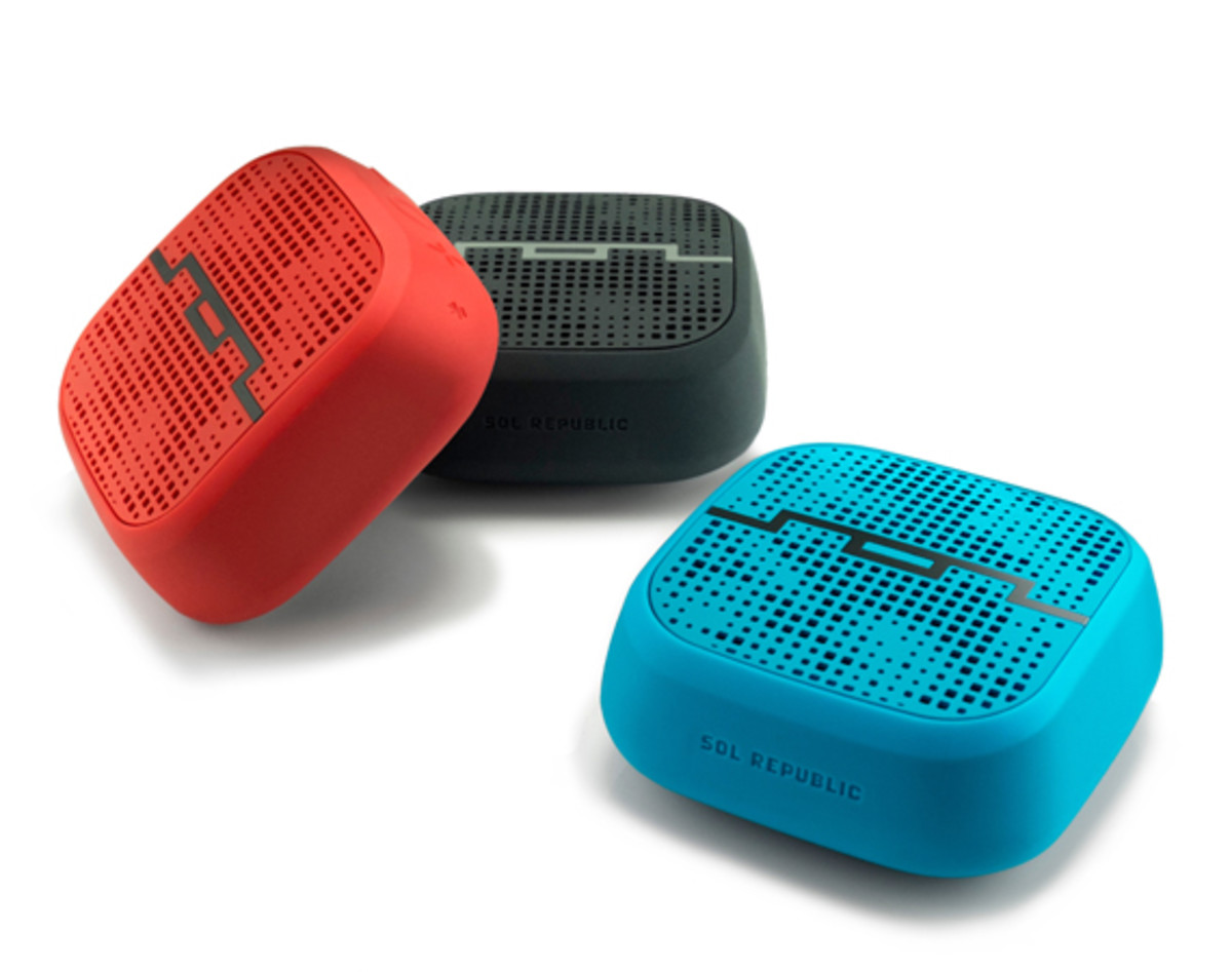 sol-republic-punk-wireless-speaker-01
