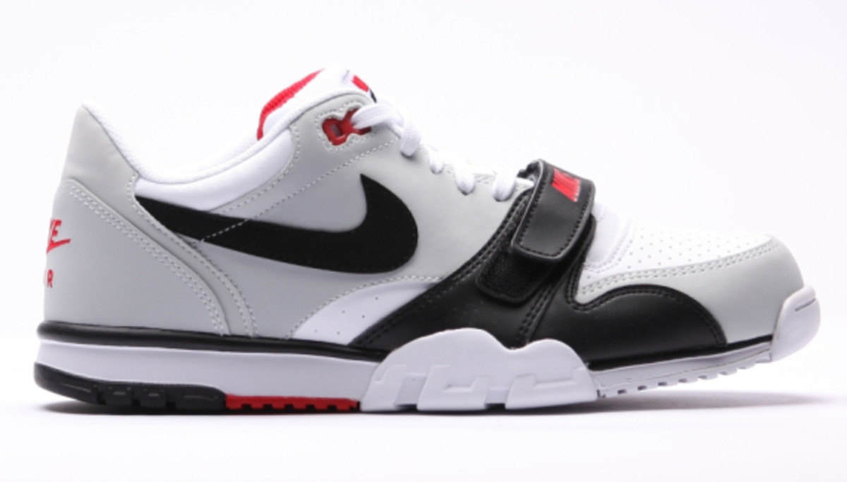 nike-air-trainer-1-low-white-black-red-06