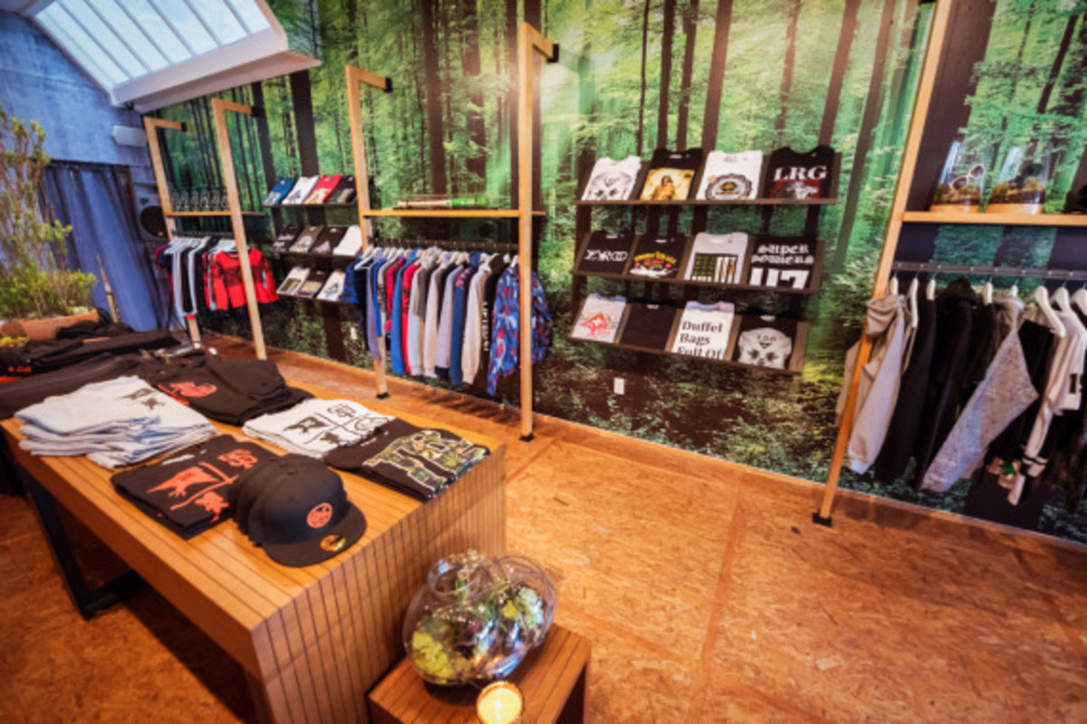 lrg-san-francisco-pop-up-shop-inside-look-06