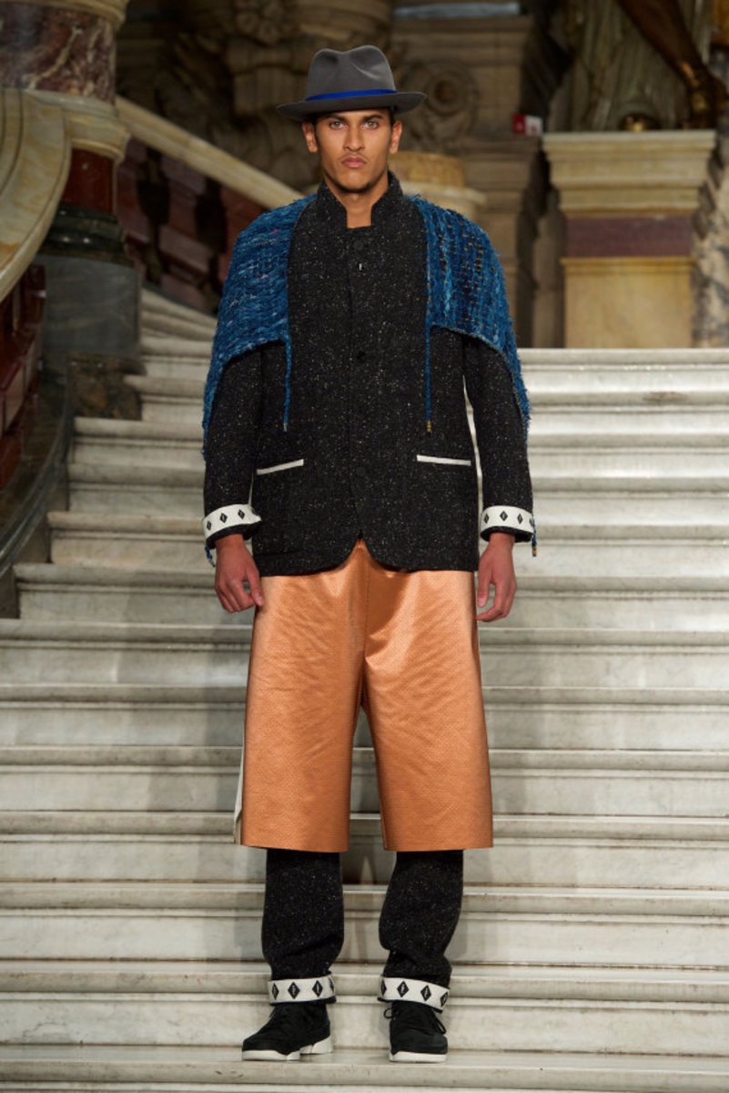pigalle-fall-winter-2015-collection-runway-show-02