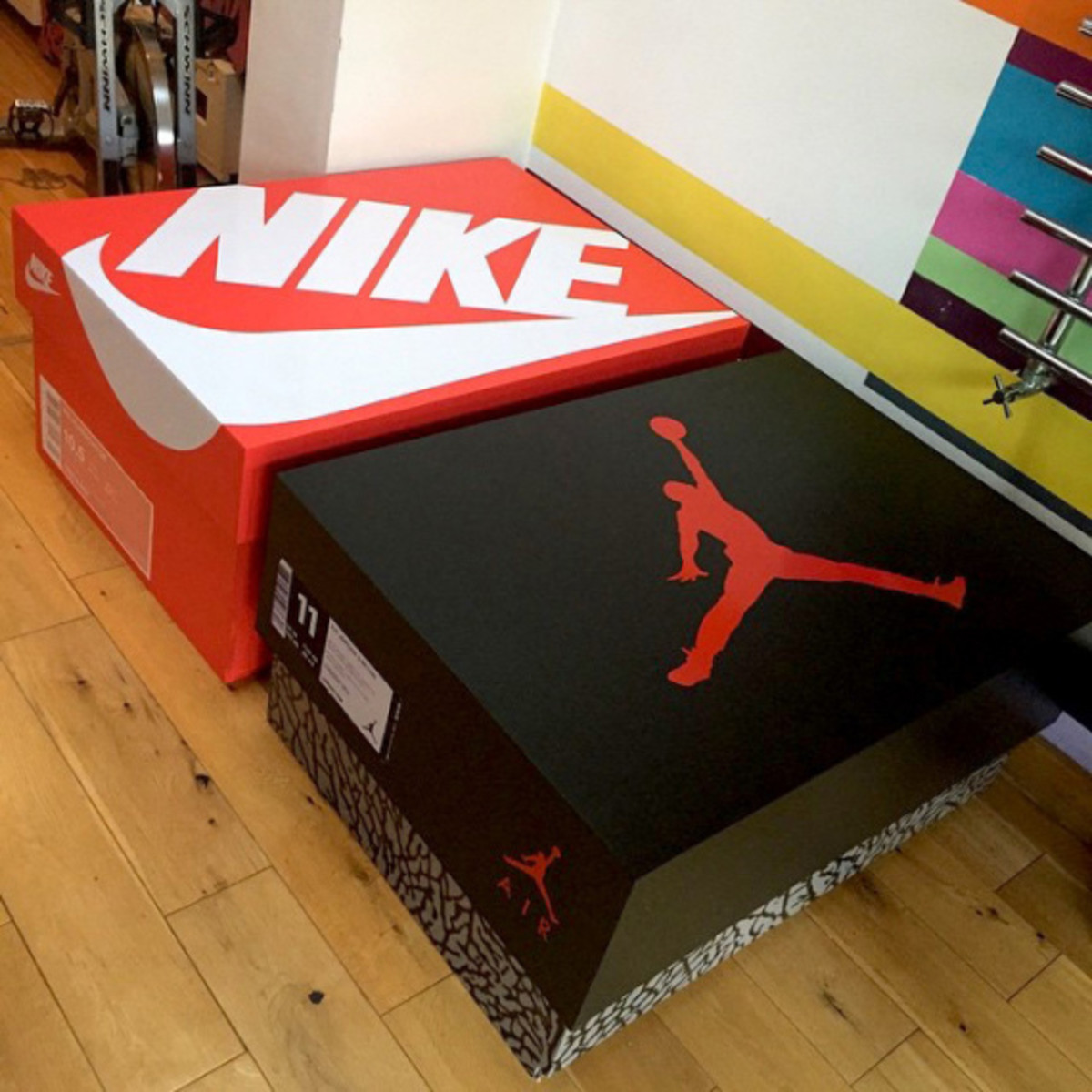 giant-jordan-inspired-sneaker-storage-box-02