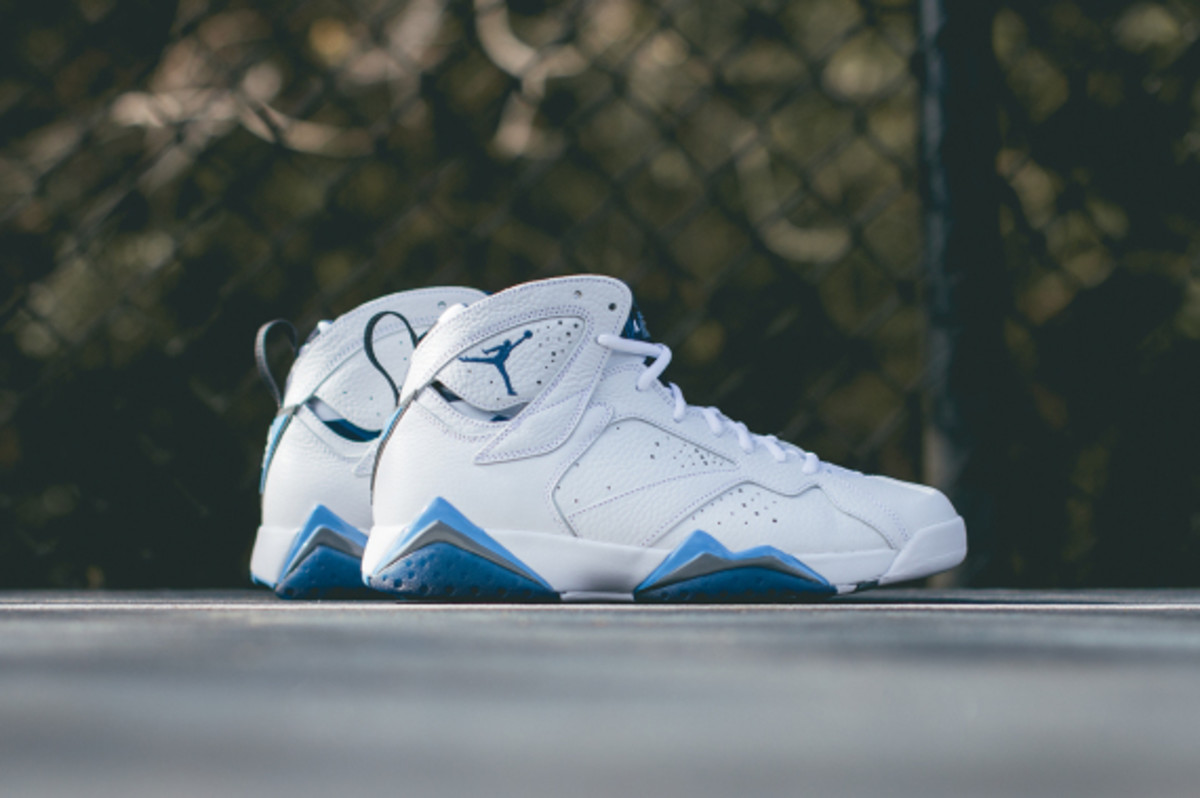 air-jordan-7-retro-french-blue-closer-look-04