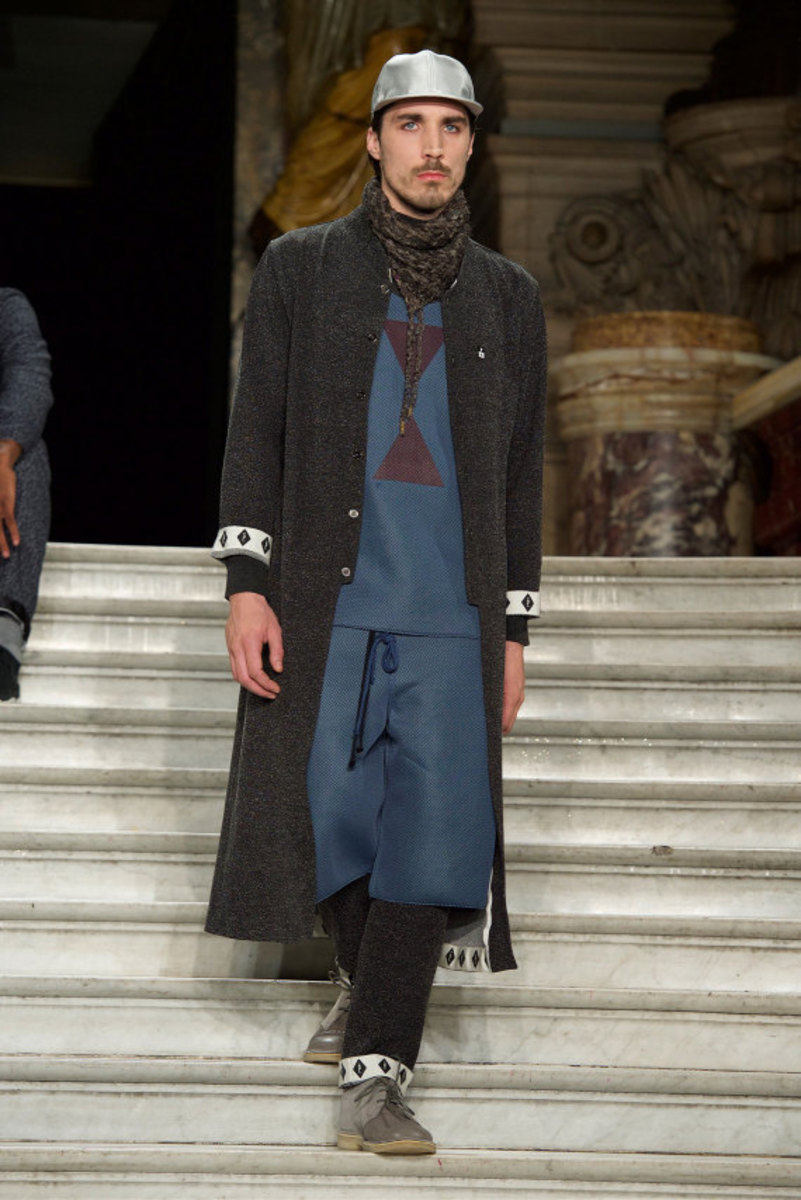 pigalle-fall-winter-2015-collection-runway-show-01