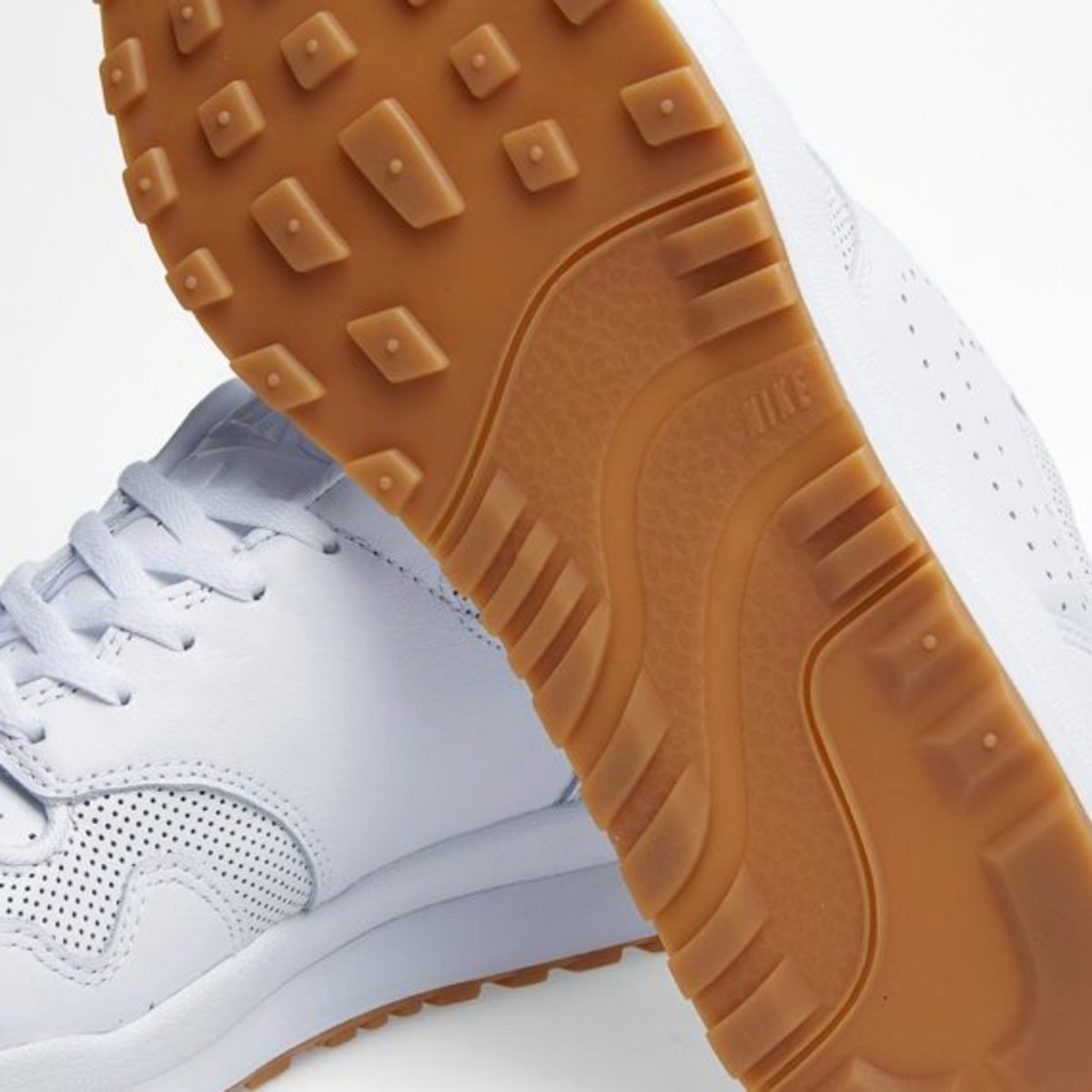 nike-air-safari-deconstruct-white-06