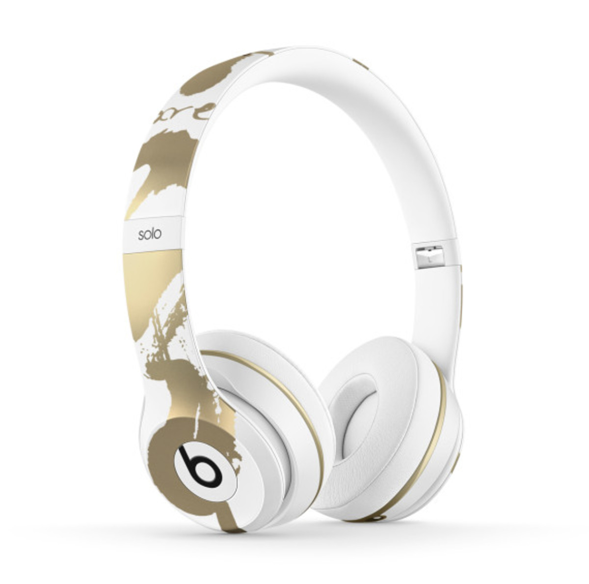 chen-man-beats-by-dre-chinese-new-year-solo2-headphones-03