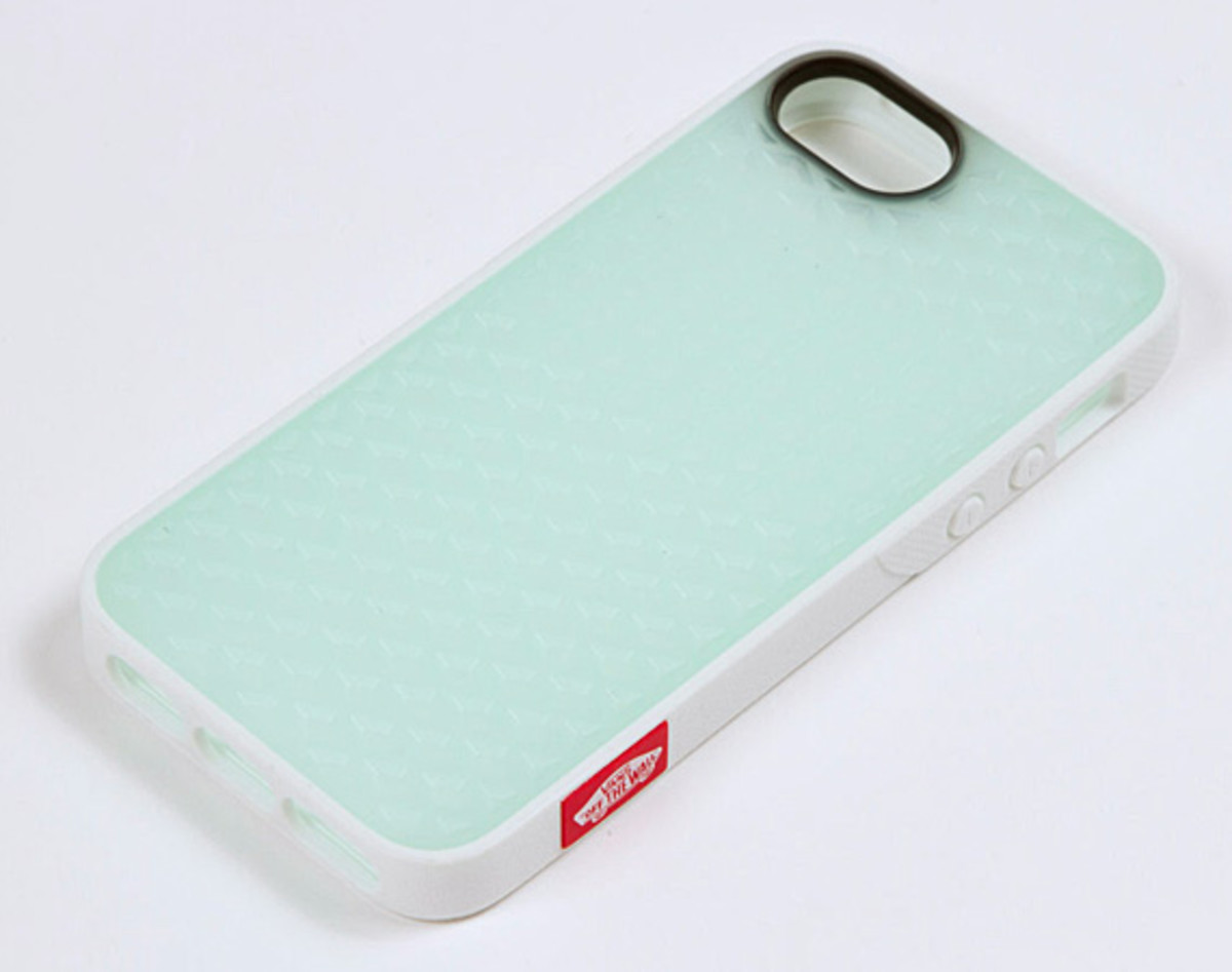 best service e5684 a8414 Belkin x VANS Rubber Waffle Sole Cases for Apple iPhone 5 & iPod ...