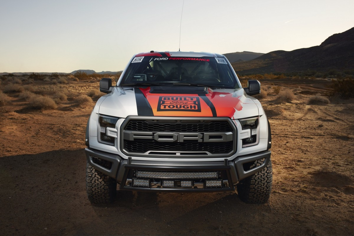 the 2017 ford f 150 raptor race truck unleashed. Black Bedroom Furniture Sets. Home Design Ideas