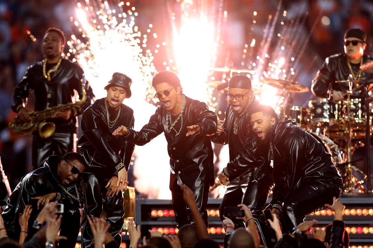 beyonc-coldplay-and-bruno-mars-take-over-the-super-bowl-50-halftime-show-1.jpg