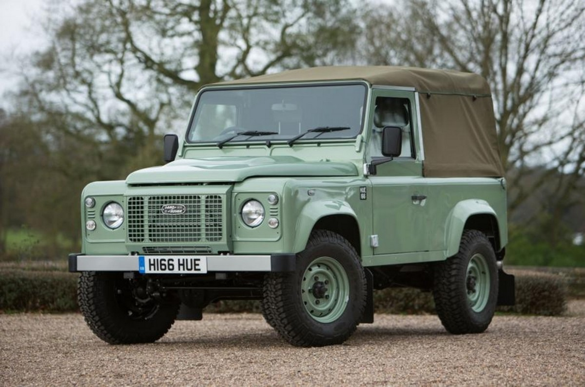 The Last Ever Land Rover Defender To Roll Off The Line