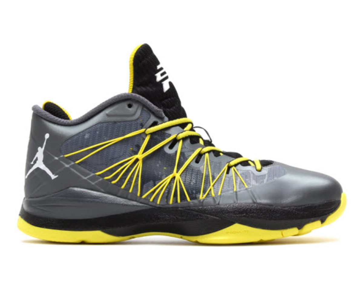 2618c00a91a The Jordan brand keeps things poppin with this new Jordan CP3.VII AE.  Understandably