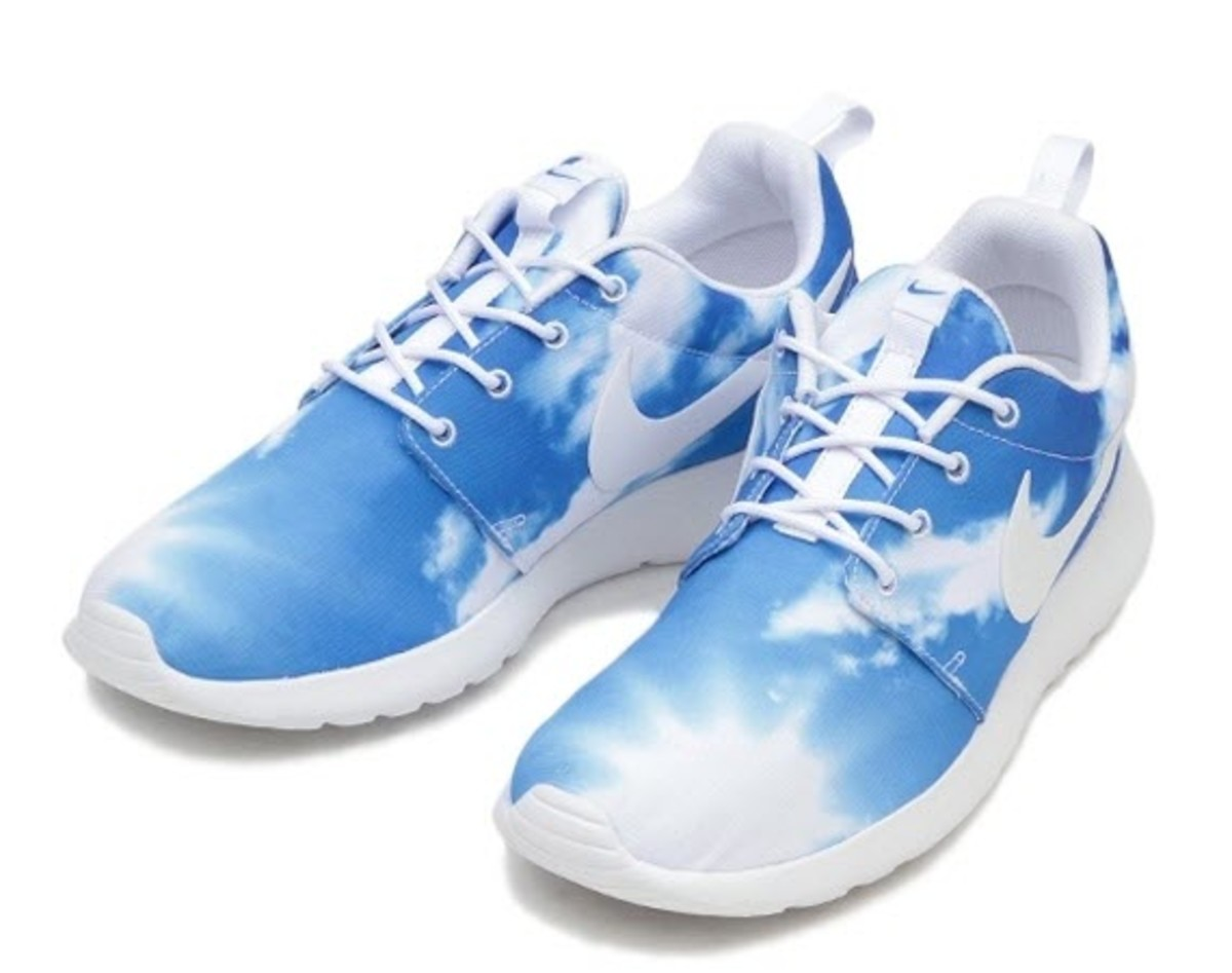 reputable site 017b1 7e319 ... print sunrise blue sky df408 074d6  order summer mood nike releases a  pair of roshe runs that couldnt get any more seasonal