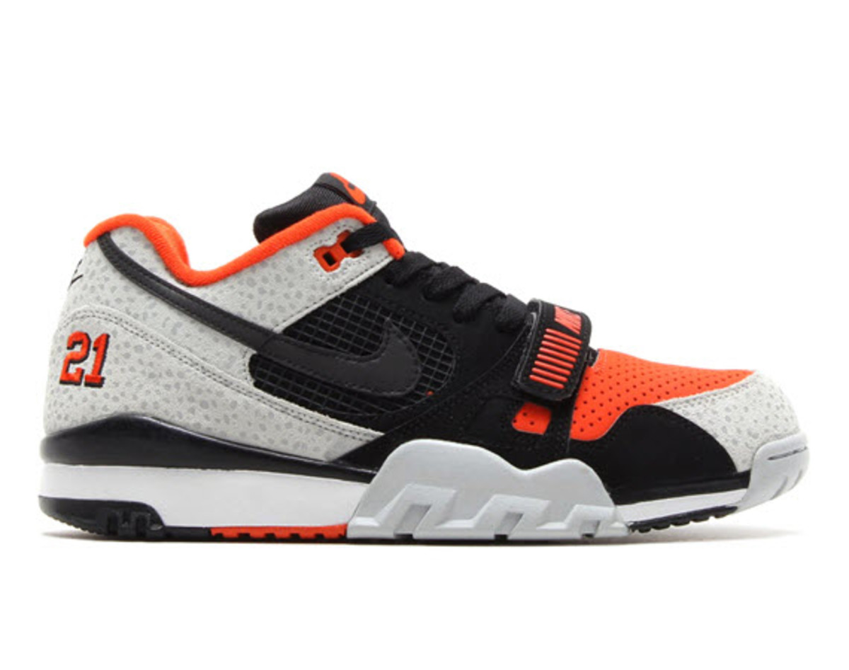 newest 04533 0a5de What s not to love about this new Nike Air Trainer 2  Combining the classic  Safari color scheme with a tribute to Barry Sanders, this upcoming colorway  of ...