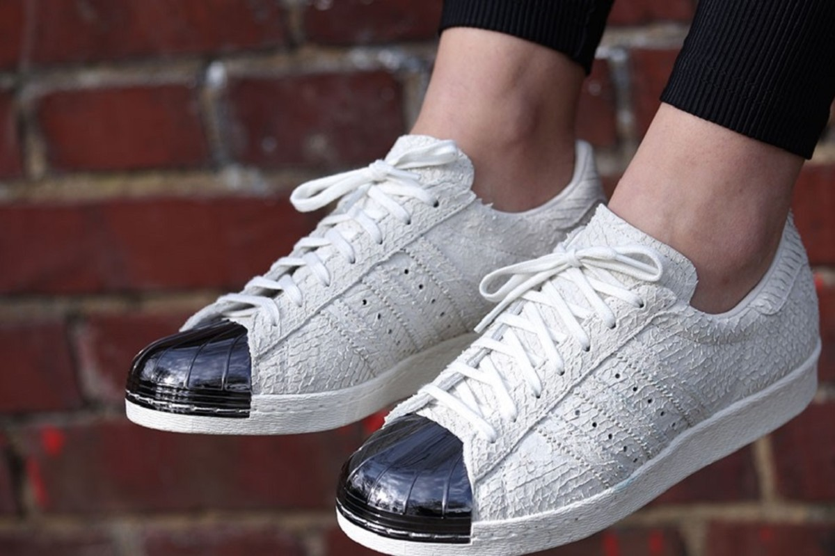 adidas superstar with silver toe