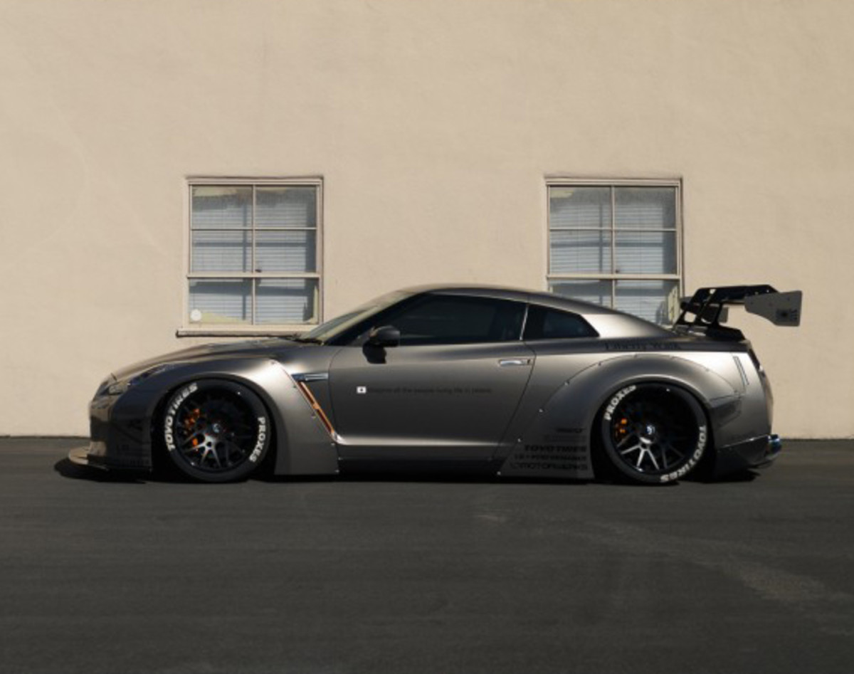 nissan gtr tuned by liberty walk freshness mag. Black Bedroom Furniture Sets. Home Design Ideas
