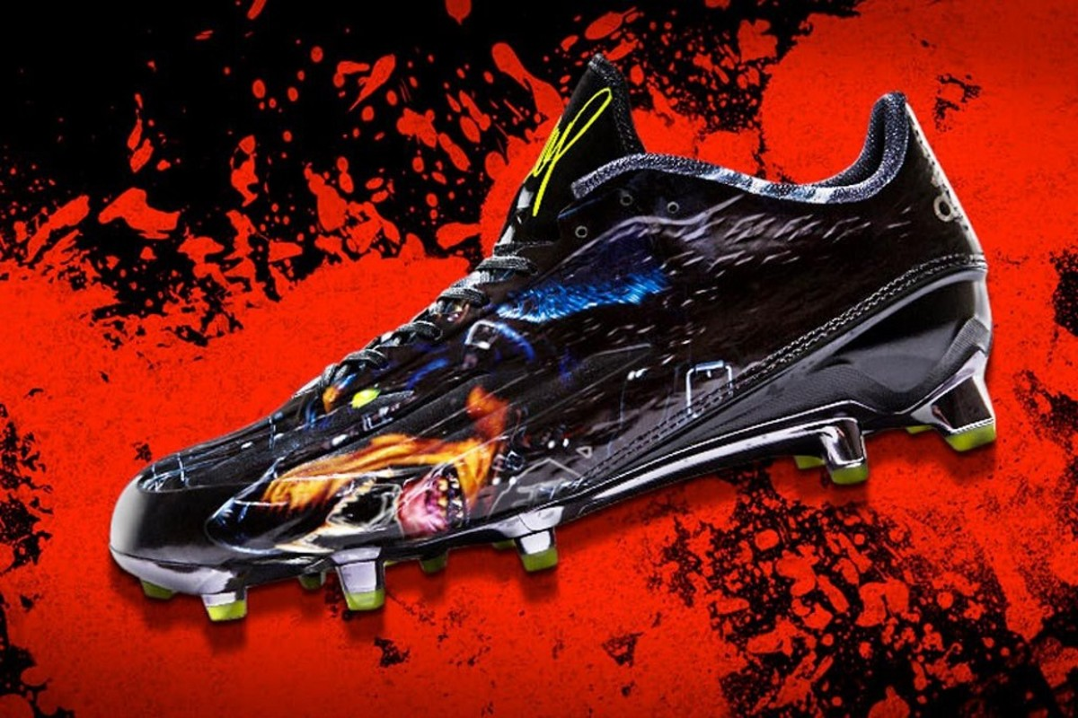 e1dec618f2b adidas and Snoop Dogg have just officially unveiled the next generation of  their collaborative football cleat