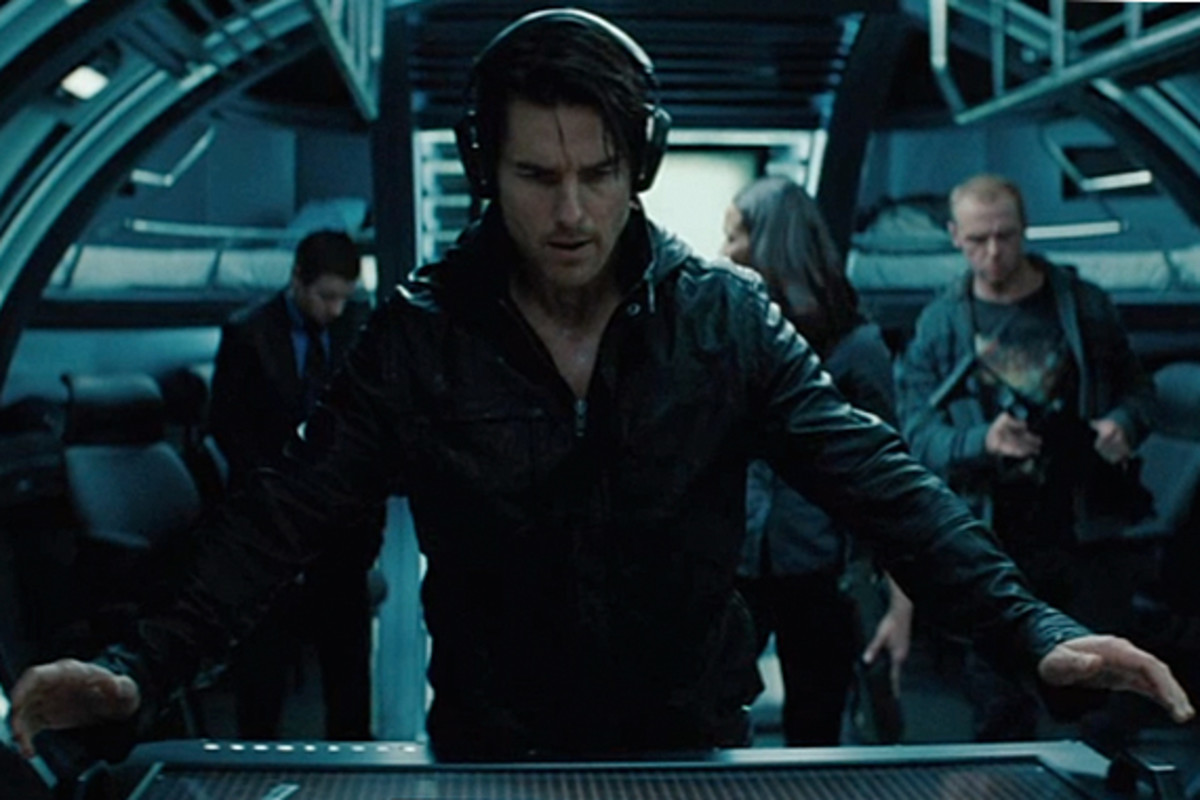 Mission Impossible 4: Ghost Protocol - Official Trailer ...