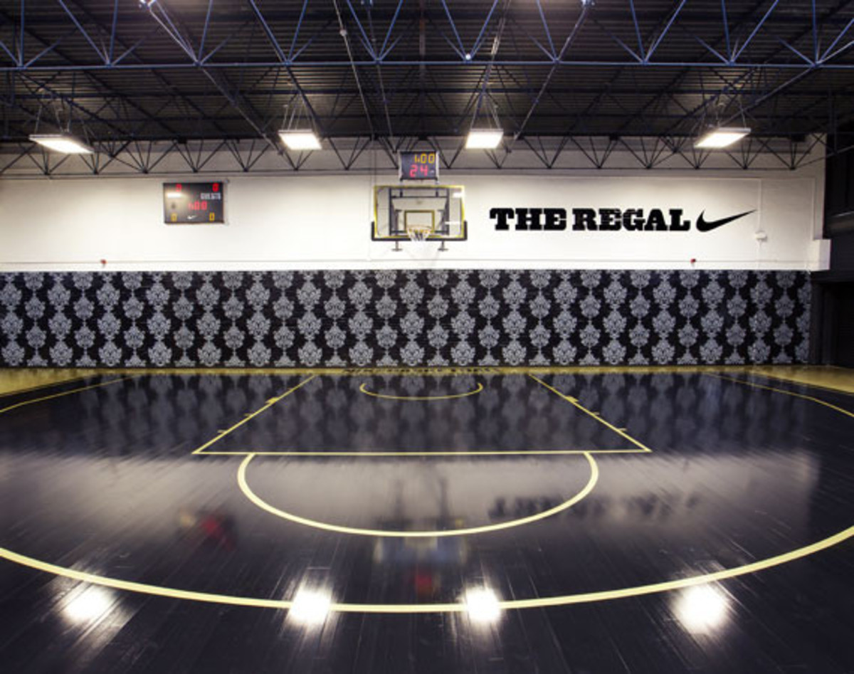 The newly unveiled Regal basketball court in Vauxhall 5d3b307f3013