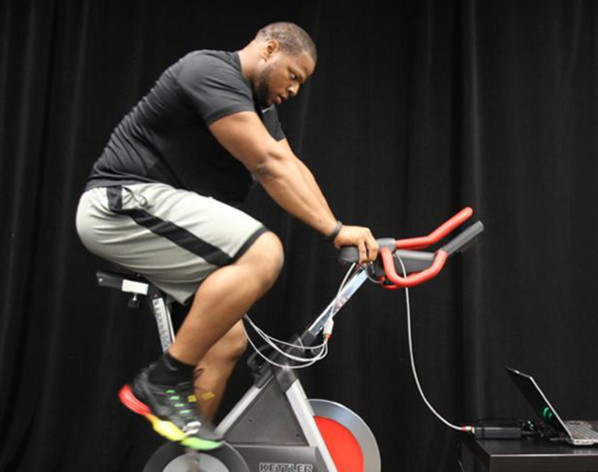 Nike Fuelband Path A Day With Ndamukong Suh Video 00 Jpg