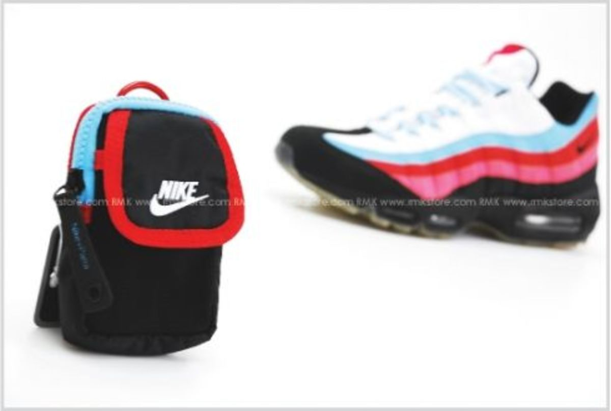 Nike - Running Man Pack - Waist Bag - Parra