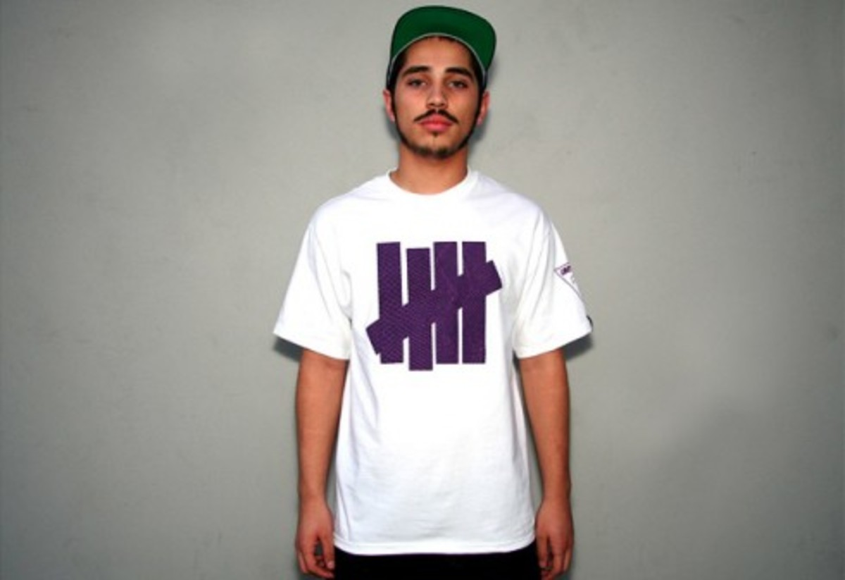 UNDEFEATED (UNDFTD) x ?uestlove (Questlove) - T-Shirt