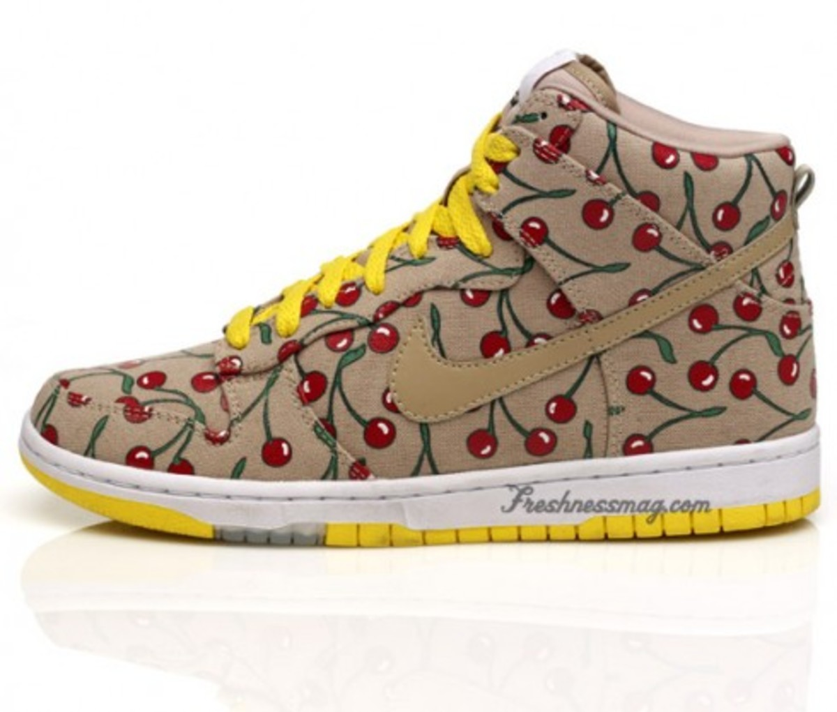 Nike x Paule Marrot - WMNS Skinny Dunks - Cherries - 2