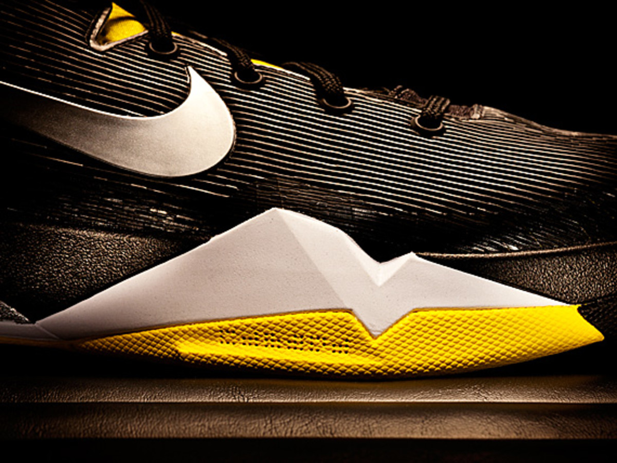 the latest 71cb4 7e40e nike-kobe-vii-system-supreme-14. Launching December 22, the Nike Kobe VII  System Supreme is a performance system allowing players to customize the  shoe ...