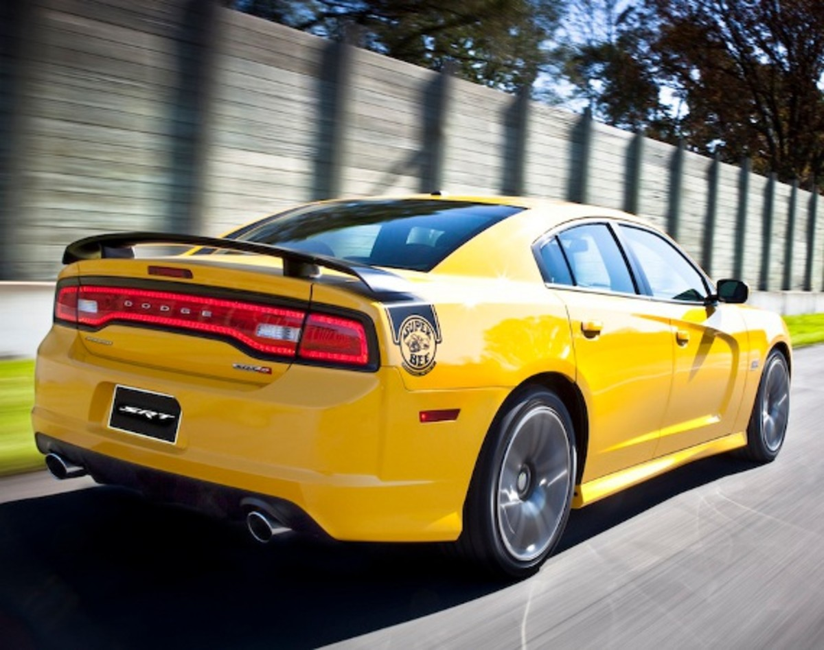 Dodge Challenger Srt Yellow Jacket And Charger Srt8 Super Bee