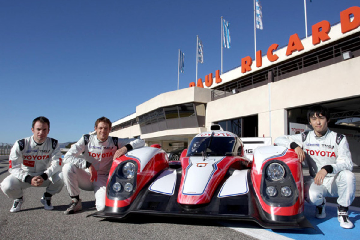 Toyota TS030 HYBRID New LMP1 Race Car For 2012 Le Mans 24 Hours ...