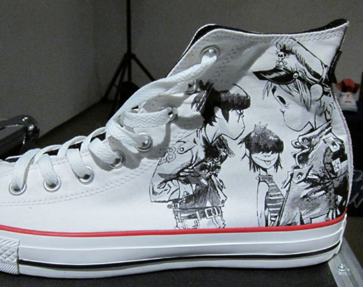 super popular 92098 39204 converse-gorillaz-fw12-preview-sm
